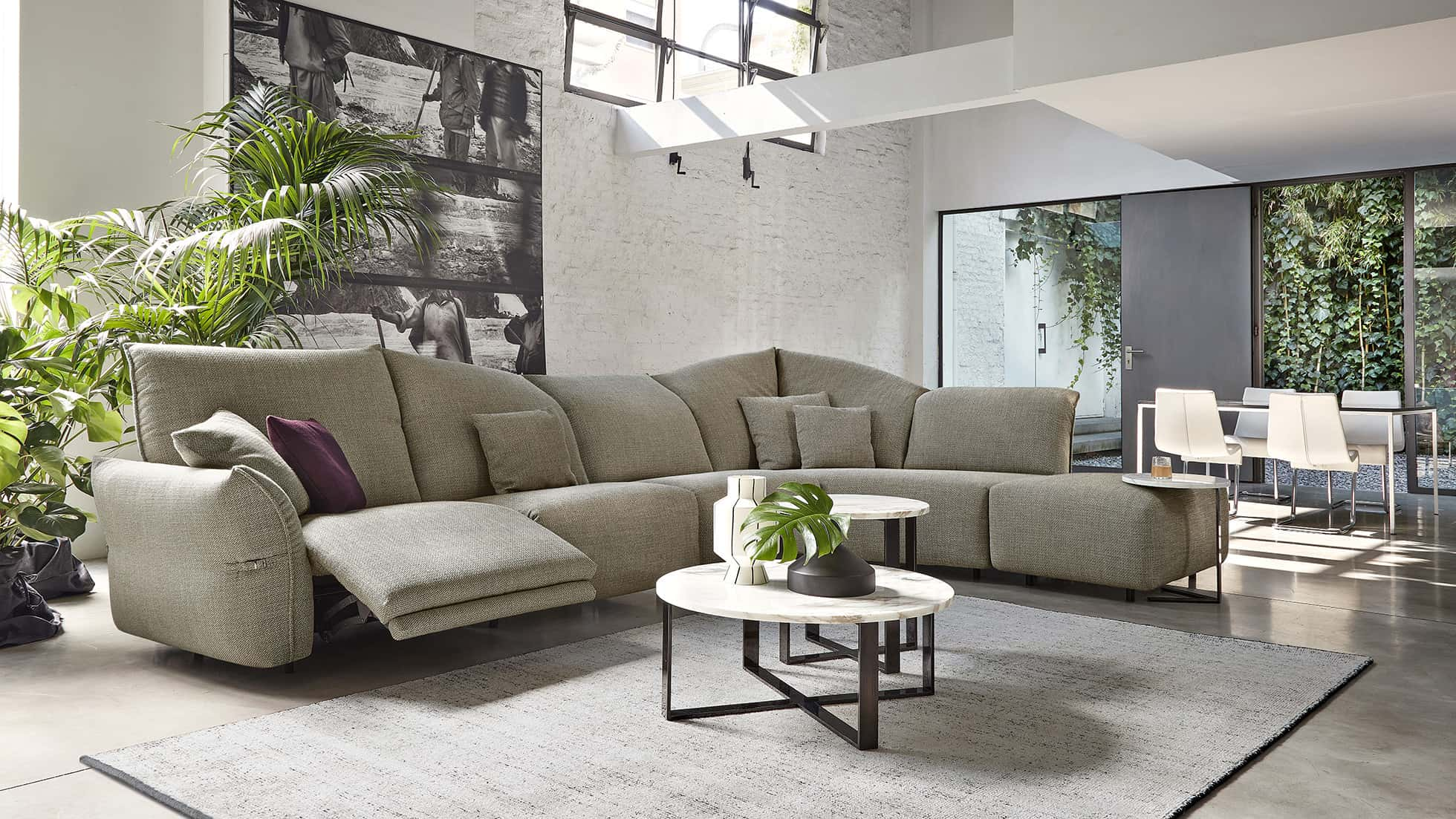 A Sophisticated Design Back Cushion Gives A New Kind Of Living Room.  Softness And Relaxation Represent The Leeds Focus Thanks To The Inside  Reclining ...